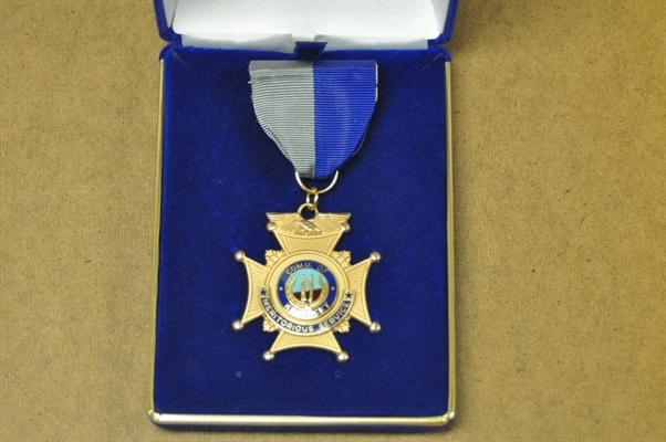 Officer Roberts receives Meritorious Service Award